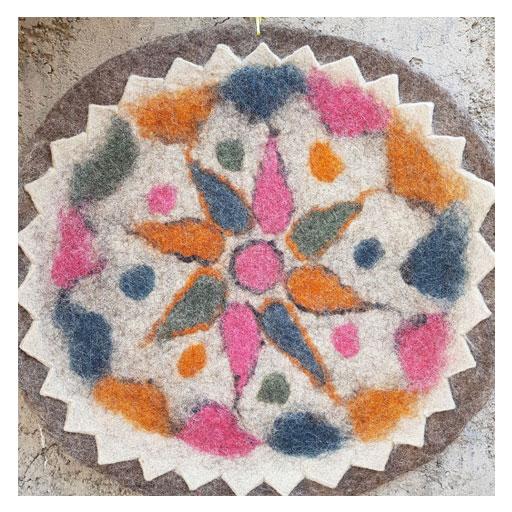 زیرانداز سنتی نمدی گرد